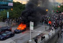 Photo of أمريكا تحترق و رقعة الاحتجاجات الحارقة تتوسع بسبب مقتل مواطن من طرف الشرطة