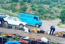 Photo of في زمن كروونا:السلطات تخصص أسواق على مداخل جماعات قروية و غضب شعبي على دركي بضواحي تازة