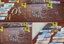 Photo of متخصص في اقتحام المنازل و السطو على المجوهرات يسقط في قبضة امن فاس