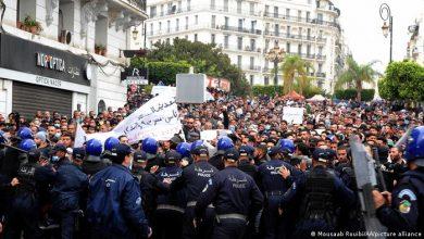 Photo of احتجاجات شعبية صاخبة بالجزائر وسط تهديدات و عنف و قمع