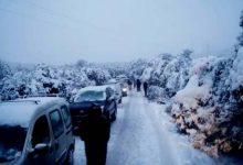 Photo of الثلوج تحاصر  ساكنة الجبال و وزارة التجهيز تعجز عن فك العزلة
