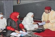 Photo of أمير المؤمنين يوزع جوائز برامج محو الأمية