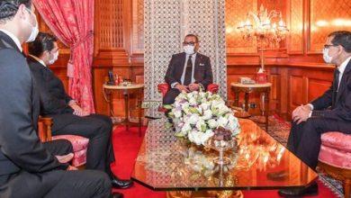 Photo of صورة اليوم: جلالة الملك محمد السادس يرتدي الكمامة أثناء التعديل الوزاري الاستثنائي
