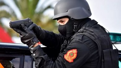 Photo of امن فاس يشهر مسدساته لتحييد خطر سيوف عتاة المجرمين