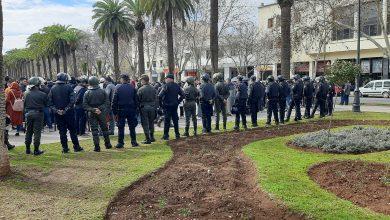 Photo of اساتذة التعاقد ينظمون وقفات و مسيرات احتجاجية